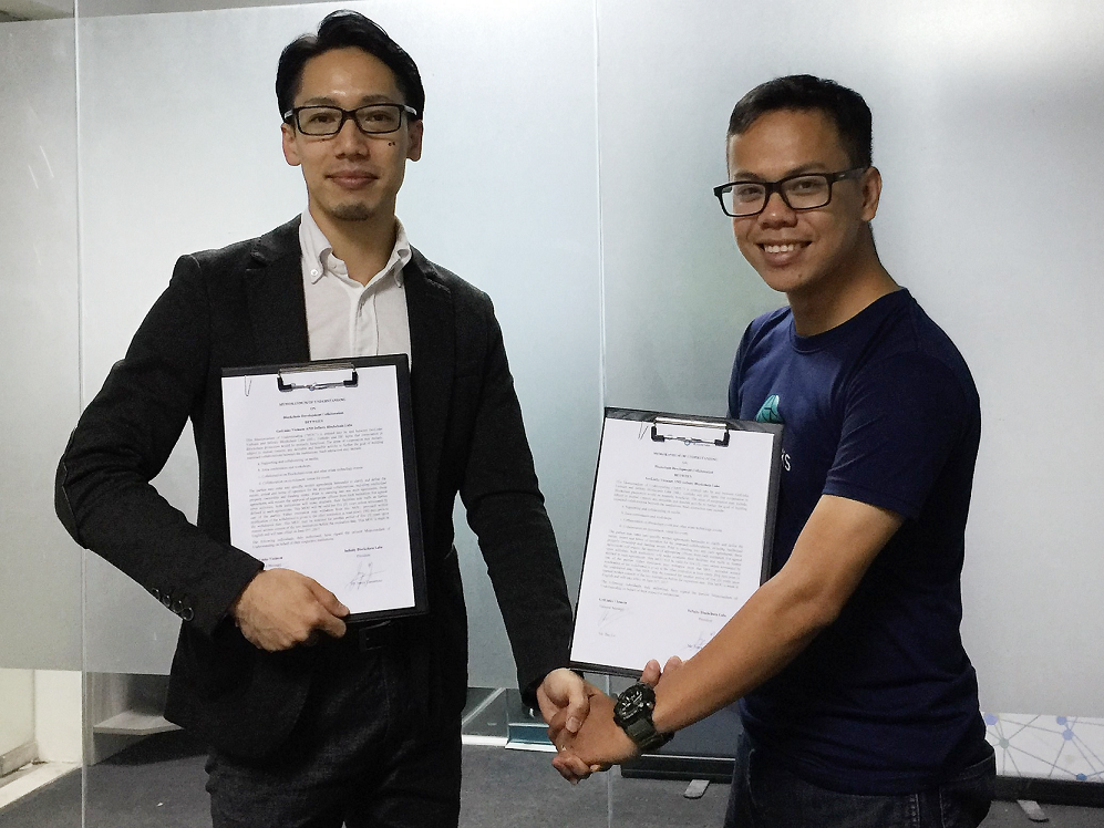 IBL President Junya Yamamoto and GetLinks General Manager Bao Le signing MoU