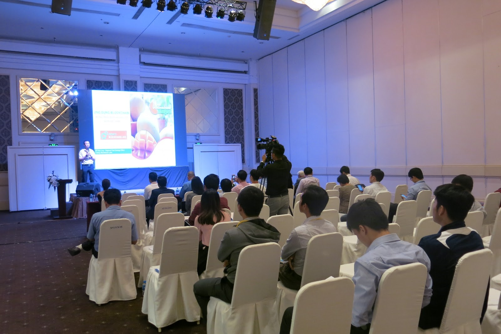 IBL Presents Blockchain-Based Revolutionary Traceability Solution at Vietnam ICT Outlook 2018