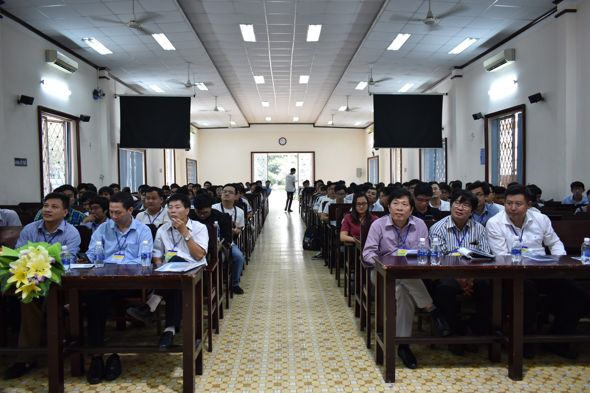 """""""Opportunities and Challenges with Blockchain"""" Seminar at Saigon University"""