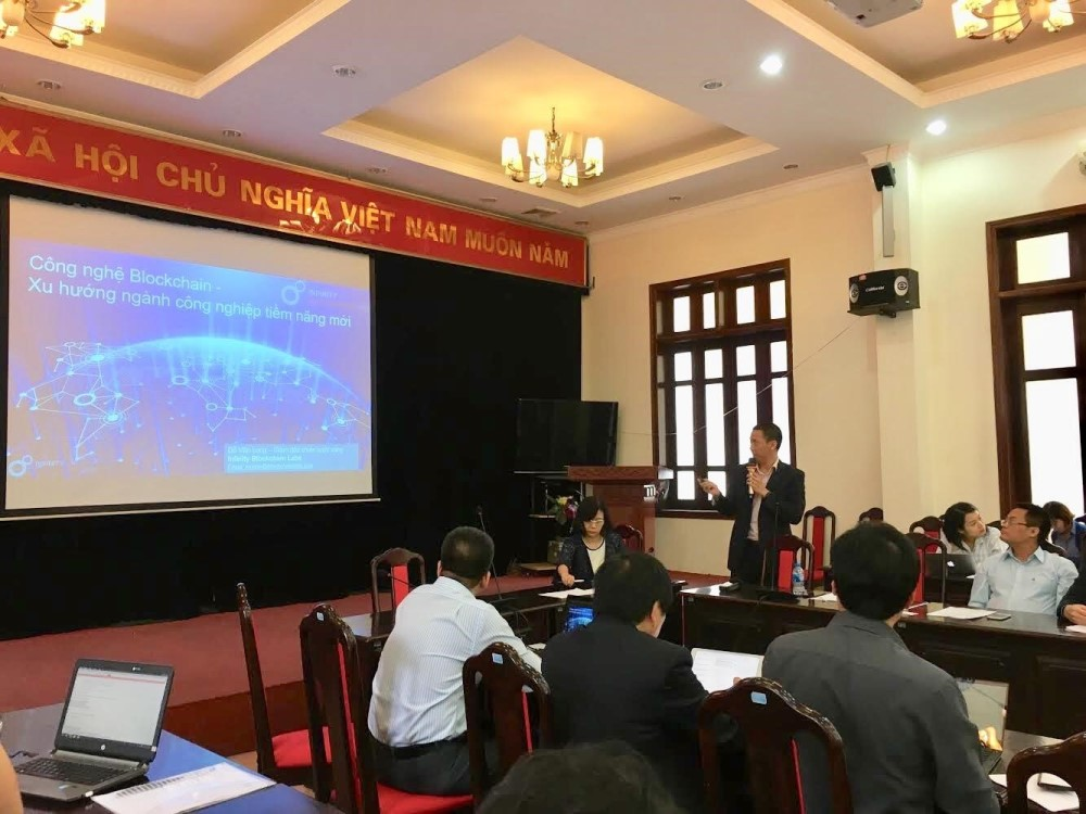 "IBL Presents at the Workshop ""Industrial Revolution 4.0 and New Technologies in Vietnam"""