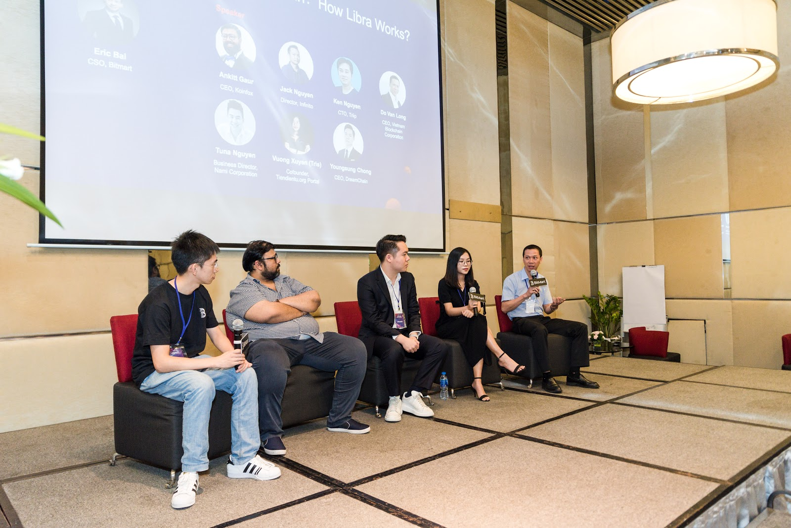 VBC share about the application of blockchain technology in financial transparency at Block Plus III conference in Vietnam