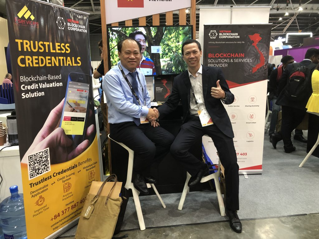 "VBC presented  ""Trustless Credentials"" solution at Singapore Fintech Festival 2019"